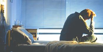 晚上失眠多梦是一种病吗