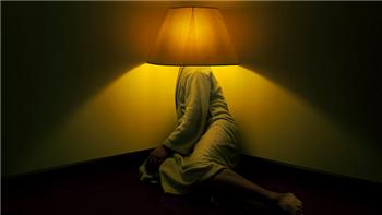 出现夜里经常失眠是什么原因