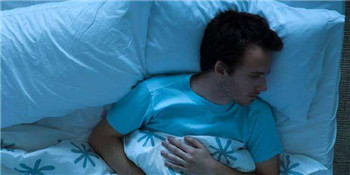 晚上睡眠不足 9大诱因易致亚健康
